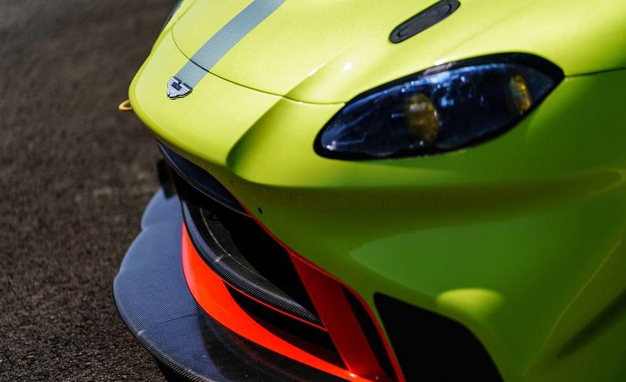 Aston Martin Vantage GTE race car - Slide 13