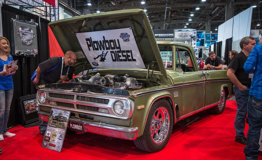 Plowboy Diesel's dual-engine 1970 Dodge Sweptline - Slide 1