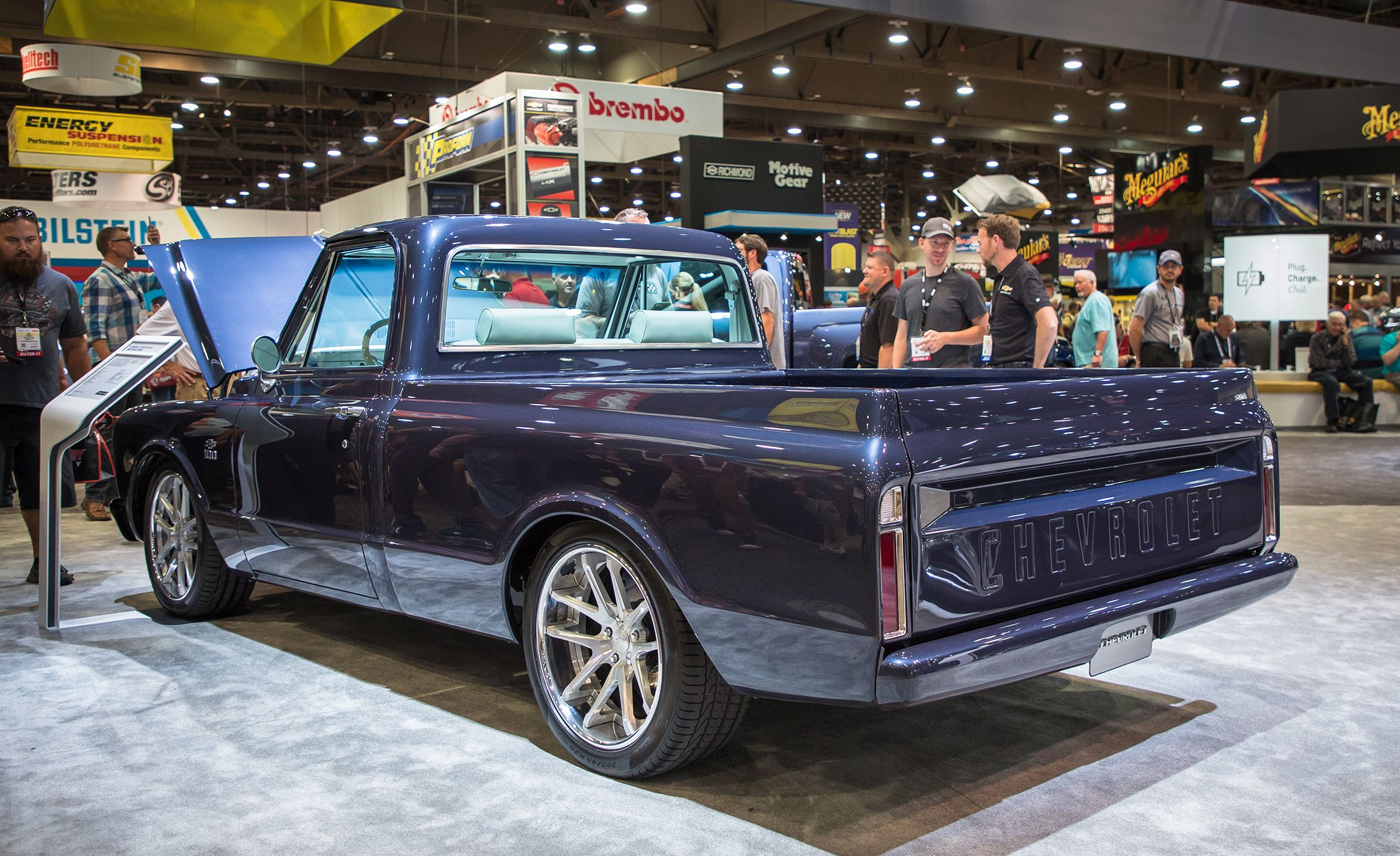 Chevrolet C/10 concept Photo Gallery