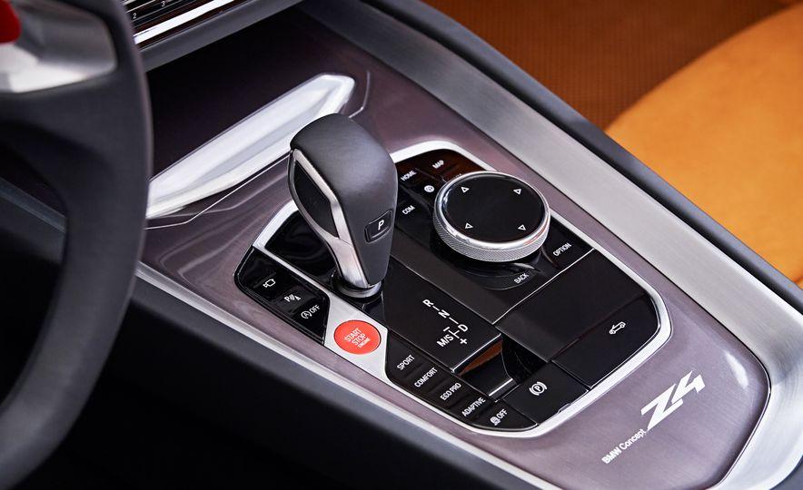 BMW Concept Z4 - Slide 12