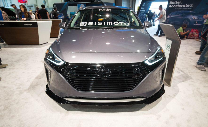 Hyundai Bisimoto HyperIoniq - Slide 1