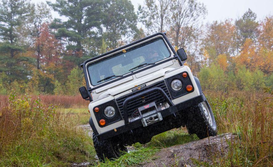 Land Rover Defender Experience - Slide 3