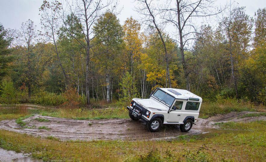 Land Rover Defender Experience - Slide 12