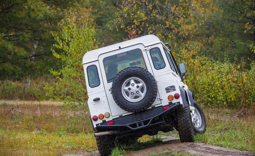 Land Rover Defender Experience - Slide 13