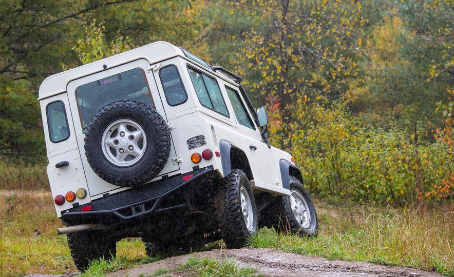 Land Rover Defender Experience - Slide 15