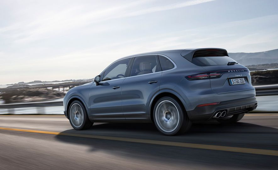 The 10 Coolest New Features on the 2019 Porsche Cayenne - Slide 1