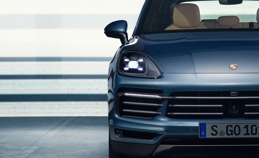 The 10 Coolest New Features on the 2019 Porsche Cayenne - Slide 7