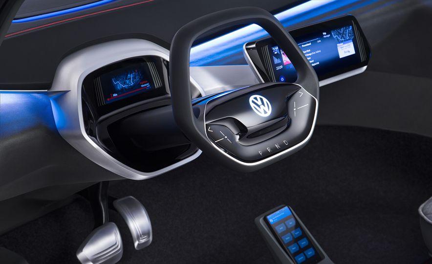 Volkswagen I.D. Crozz concept - Slide 17