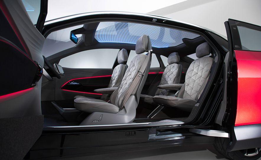 Volkswagen I.D. Crozz concept - Slide 18