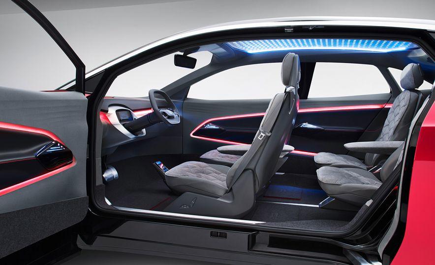 Volkswagen I.D. Crozz concept - Slide 19