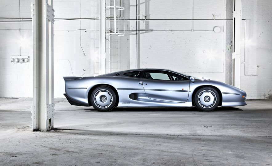 Flawed but Awesome: Jaguar's XJ220 Supercar is 25 Years Old - Slide 3