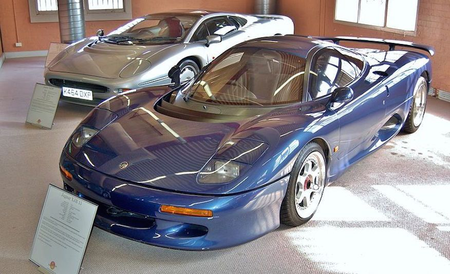 Flawed but Awesome: Jaguar's XJ220 Supercar is 25 Years Old - Slide 4