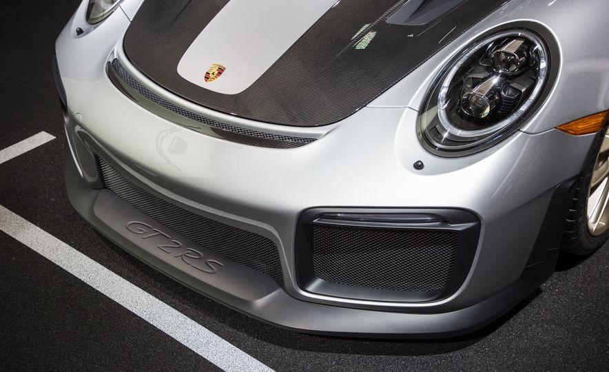 2018 Porsche 911 GT2 RS - Slide 97