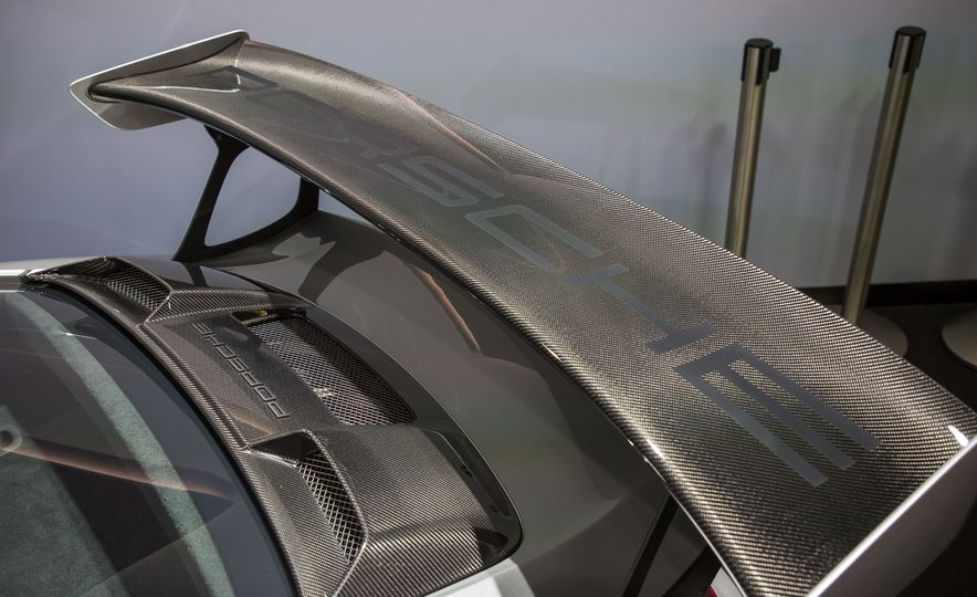 2018 Porsche 911 GT2 RS - Slide 102