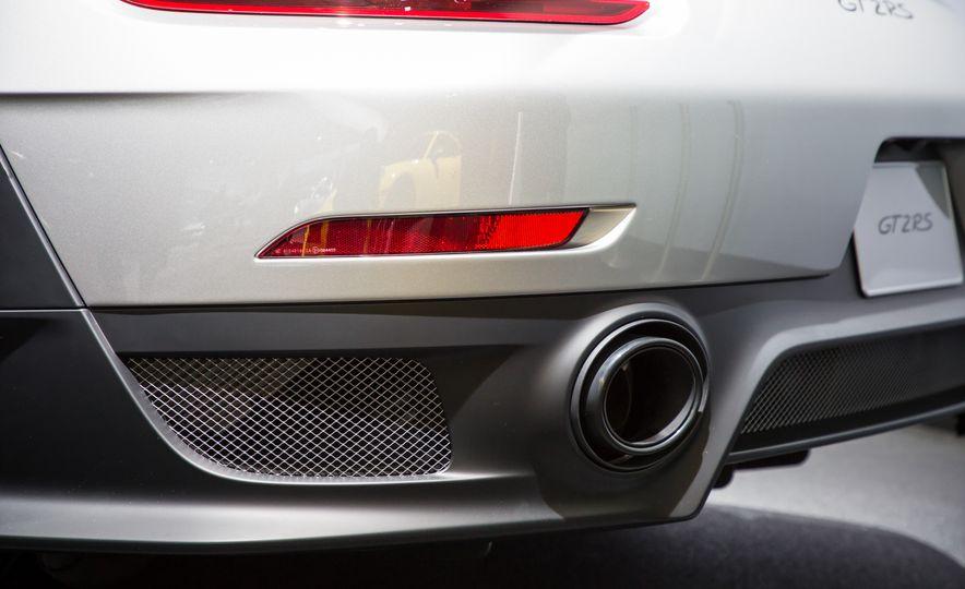 2018 Porsche 911 GT2 RS - Slide 105