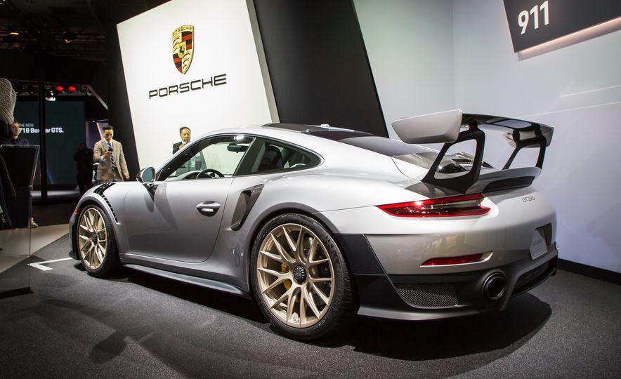 2018 Porsche 911 GT2 RS - Slide 93