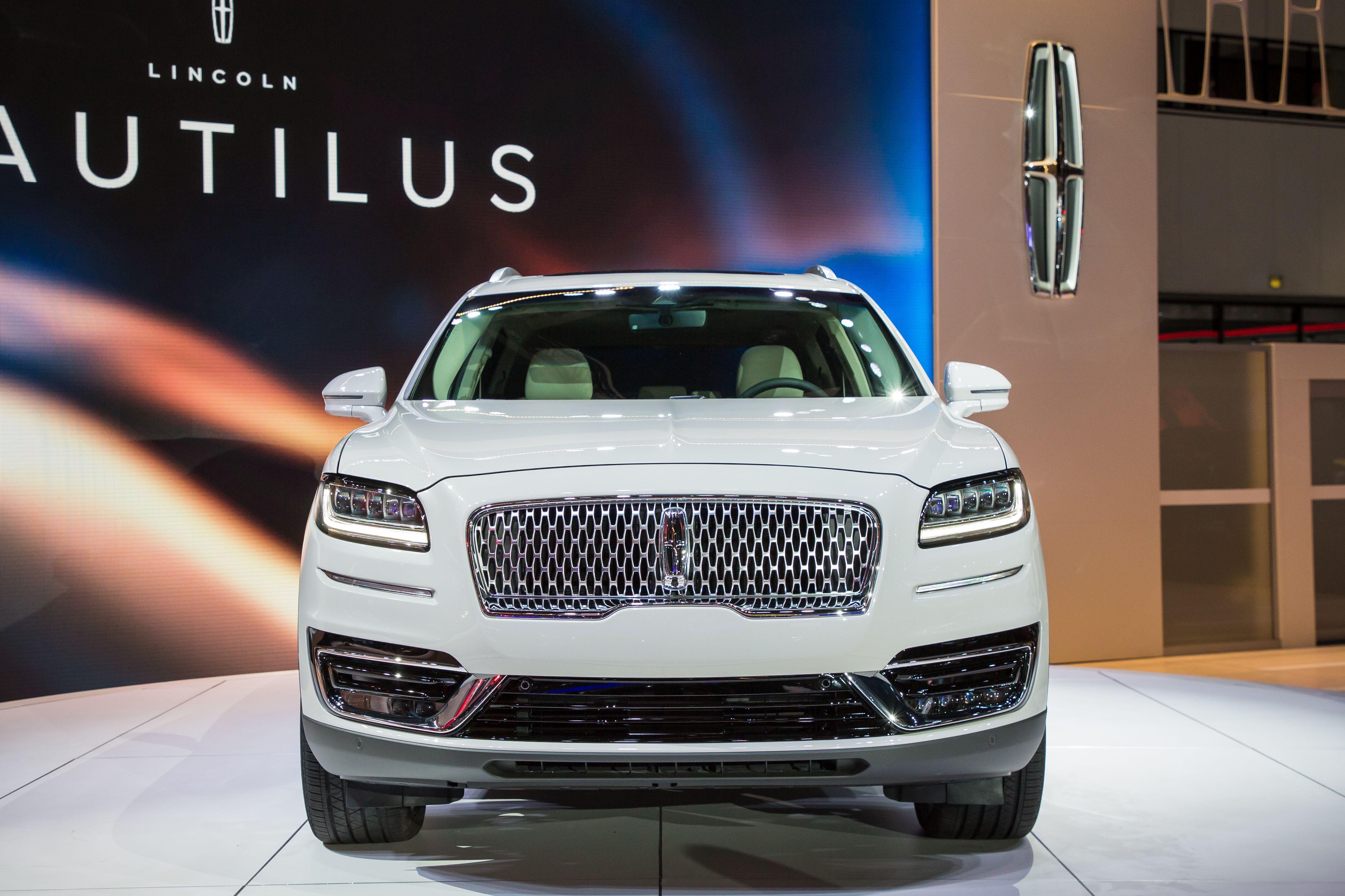 Lincoln Nautilus (MKX facelift) (VS) - AutoWeek.nl