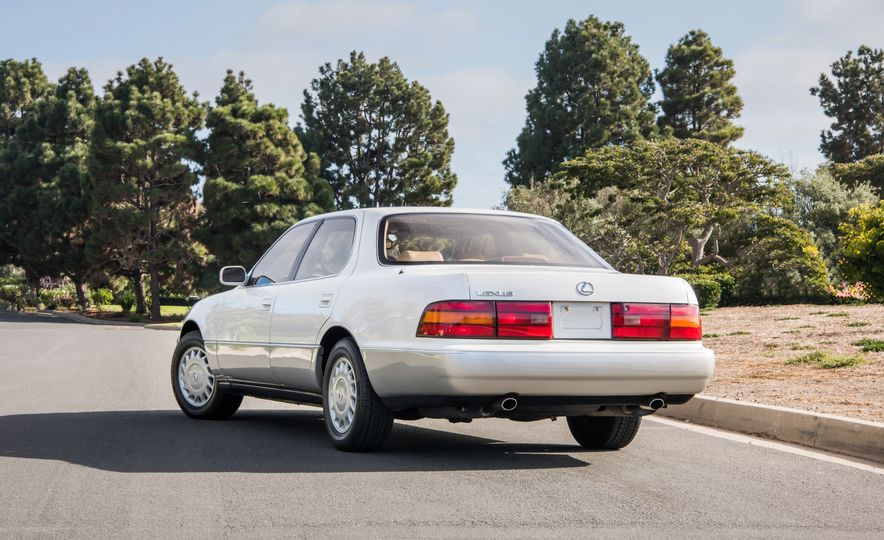 1990 Lexus LS400 - Slide 2