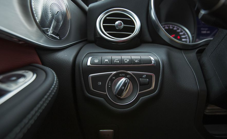 2017 Mercedes-AMG GLC43 Coupe - Slide 27