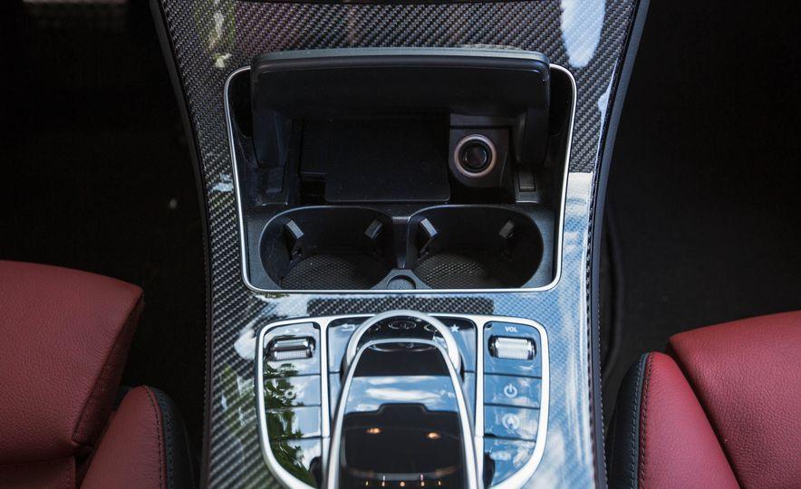 2017 Mercedes-AMG GLC43 Coupe - Slide 37
