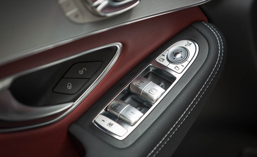 2017 Mercedes-AMG GLC43 Coupe - Slide 47