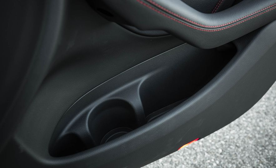2017 Mercedes-AMG GLC43 Coupe - Slide 101
