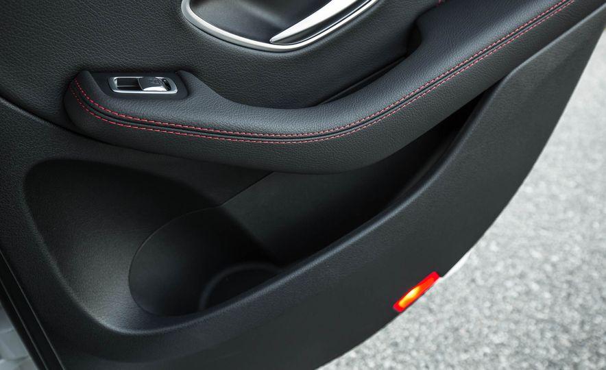 2017 Mercedes-AMG GLC43 Coupe - Slide 115