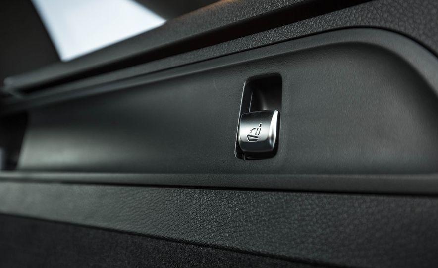 2017 Mercedes-AMG GLC43 Coupe - Slide 123