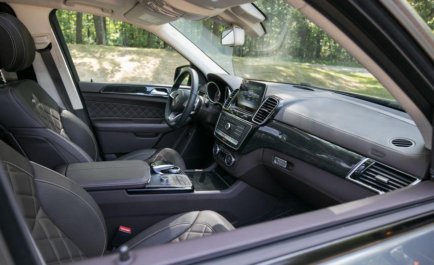 2017 Mercedes-AMG GLE43 - Slide 38