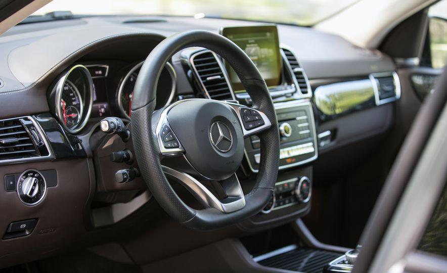 2017 Mercedes-AMG GLE43 - Slide 43