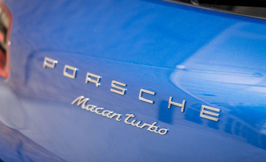 2017 Porsche Macan Turbo - Slide 28
