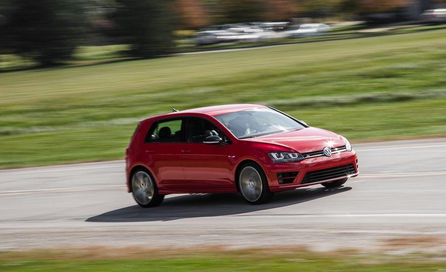 2017 Volkswagen Golf R - Slide 38