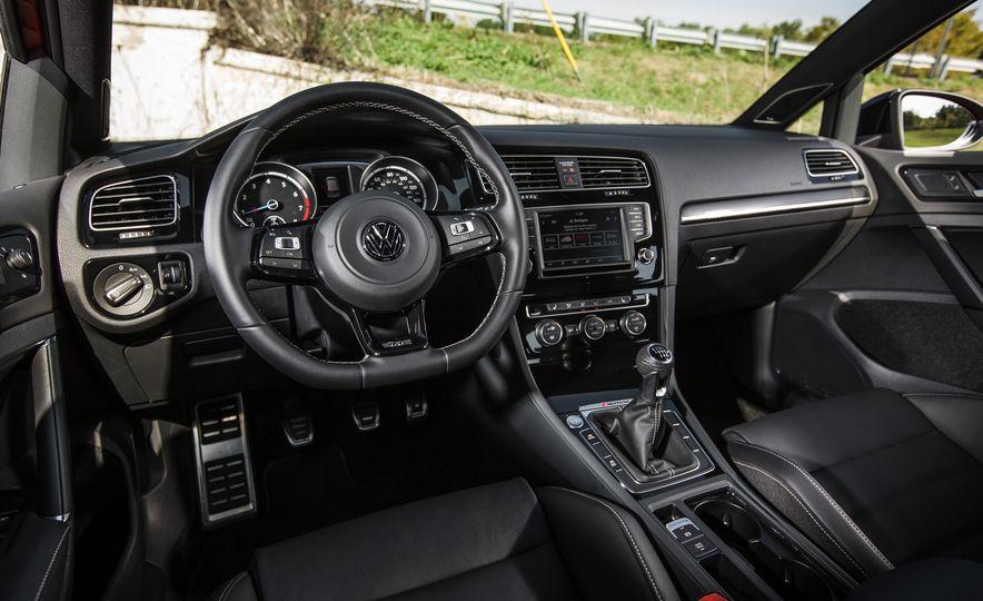 2017 Volkswagen Golf R - Slide 62