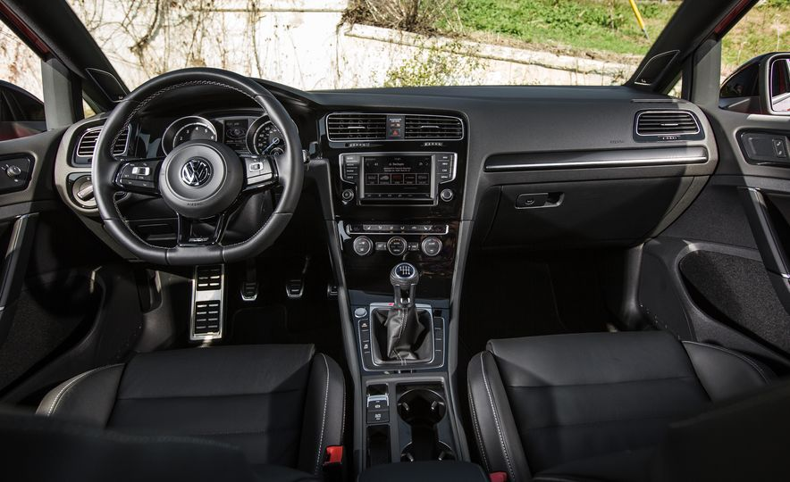 2017 Volkswagen Golf R - Slide 63