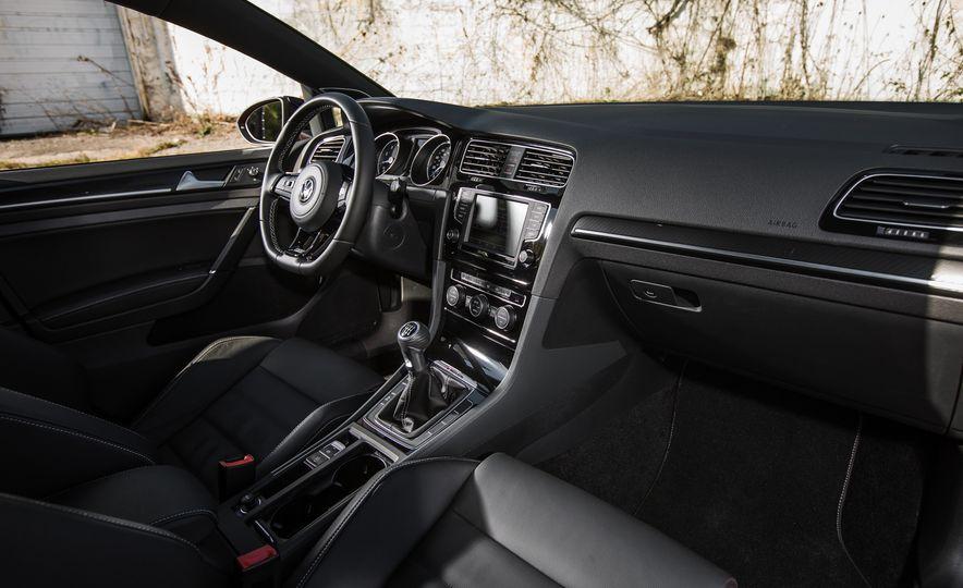 2017 Volkswagen Golf R - Slide 64