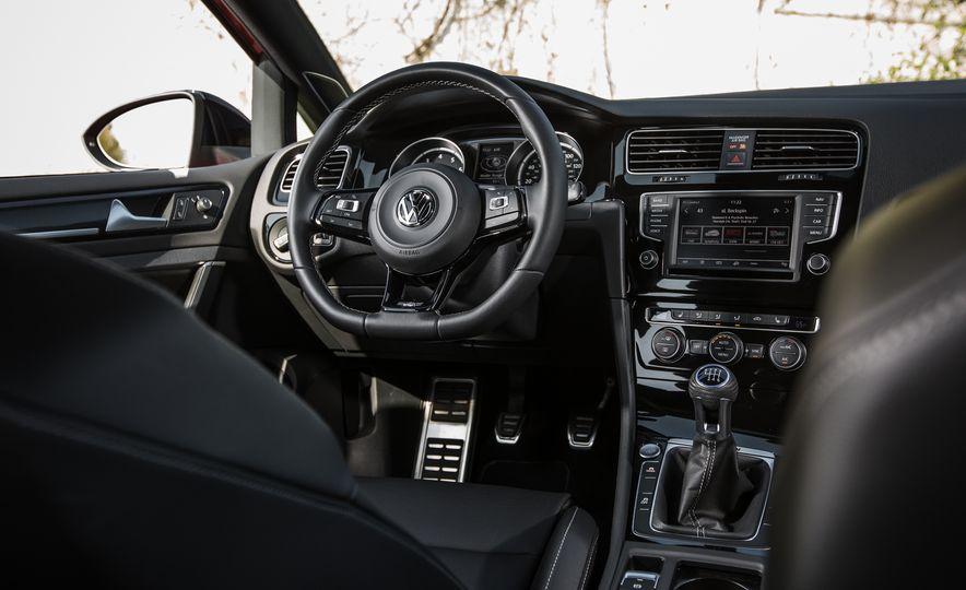 2017 Volkswagen Golf R - Slide 69