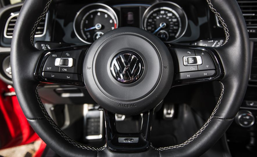 2017 Volkswagen Golf R - Slide 70