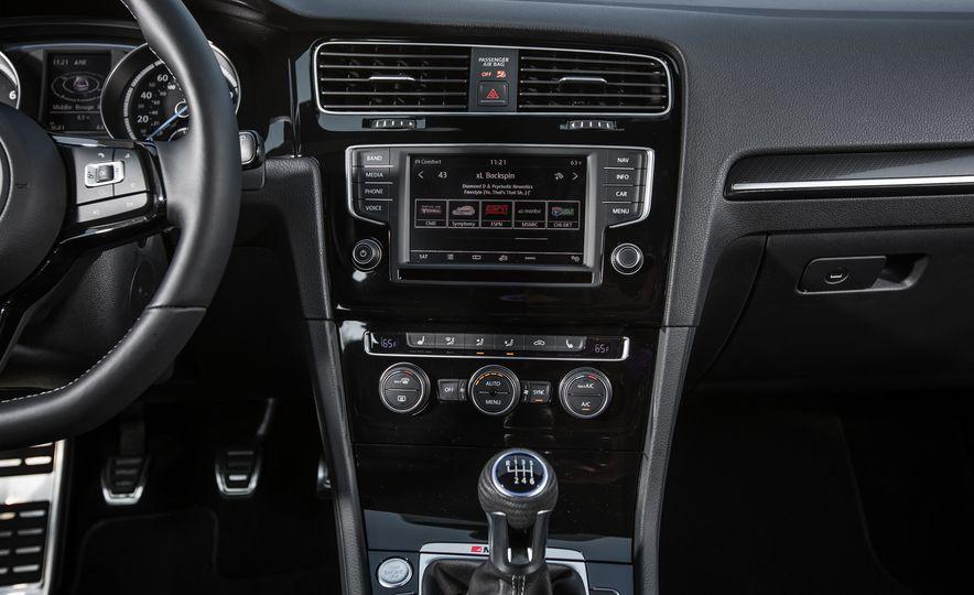 2017 Volkswagen Golf R - Slide 73