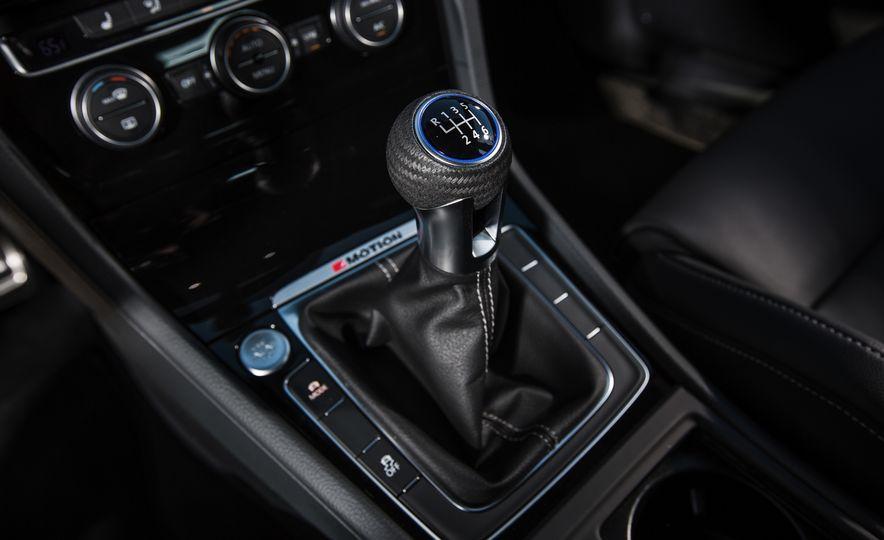 2017 Volkswagen Golf R - Slide 76