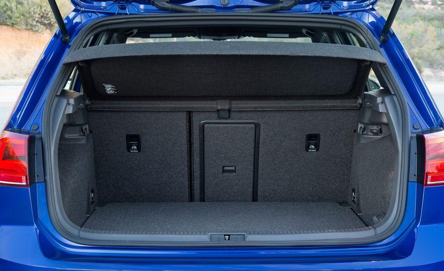 2017 Volkswagen Golf R - Slide 81