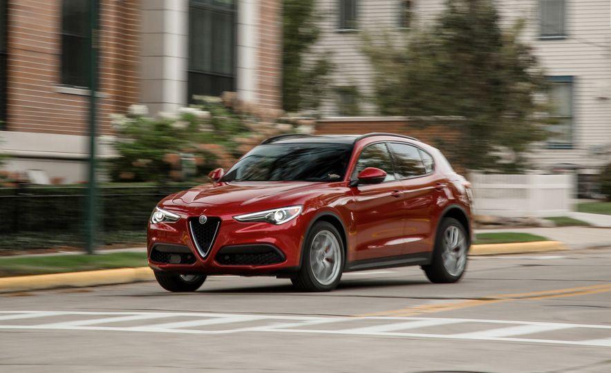 2018 Alfa Romeo Stelvio 2.0T - Slide 1
