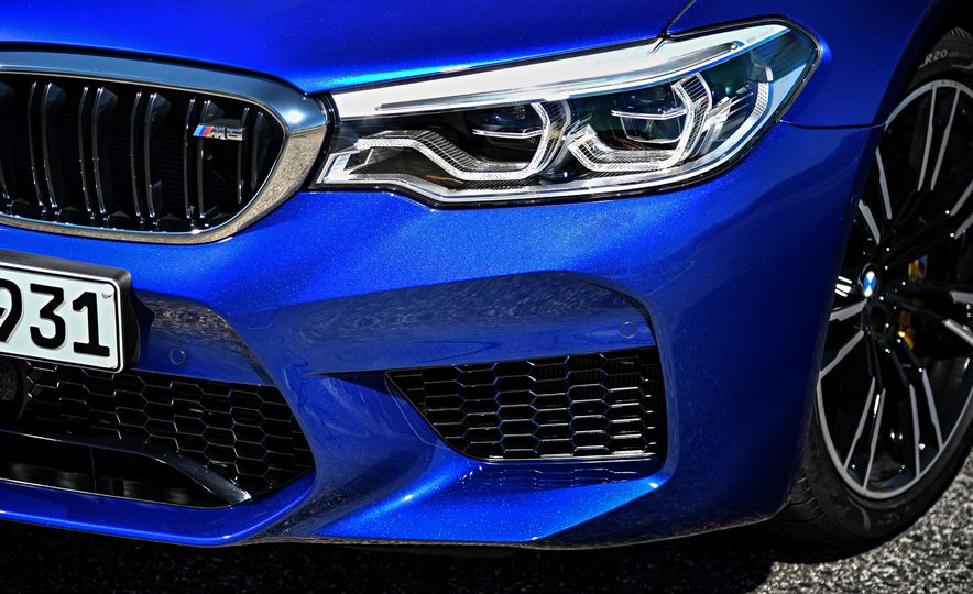 2018 BMW M5 - Slide 26