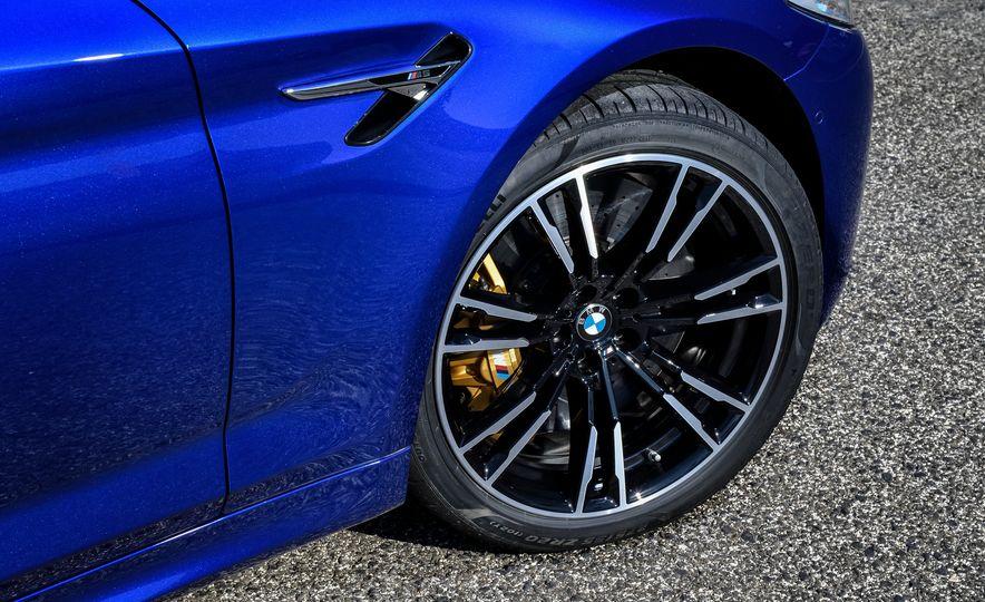 2018 BMW M5 - Slide 30