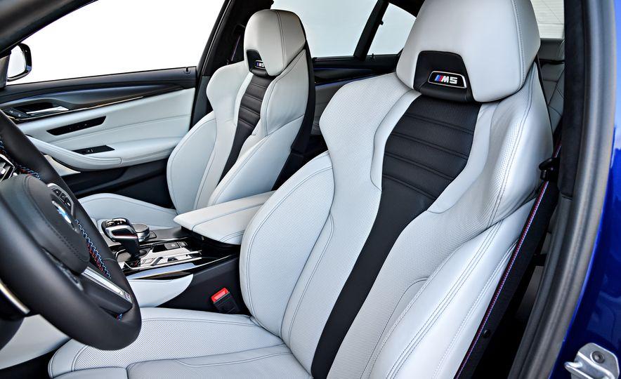2018 BMW M5 - Slide 35