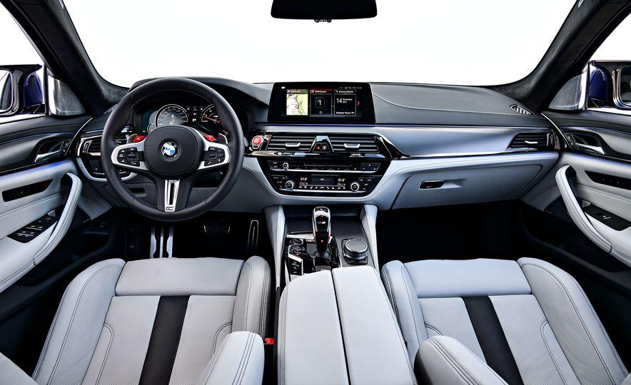 2018 BMW M5 - Slide 38