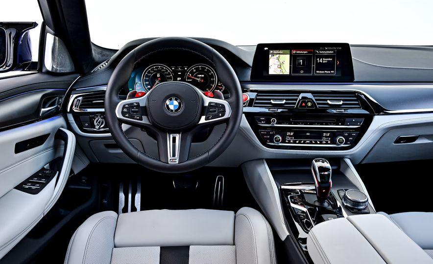 2018 BMW M5 - Slide 40