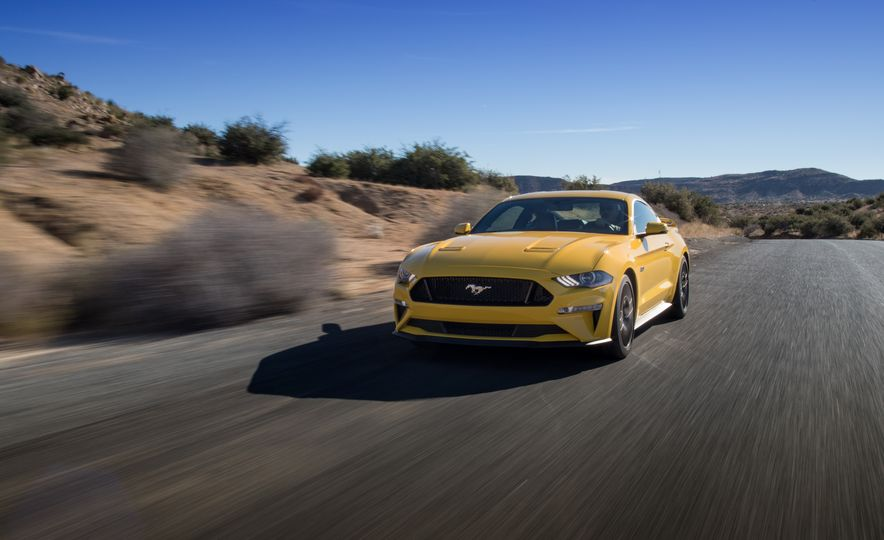 2018 Ford Mustang GT coupe - Slide 1