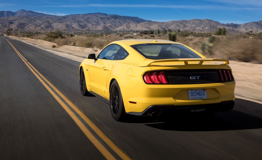 2018 Ford Mustang GT coupe - Slide 6