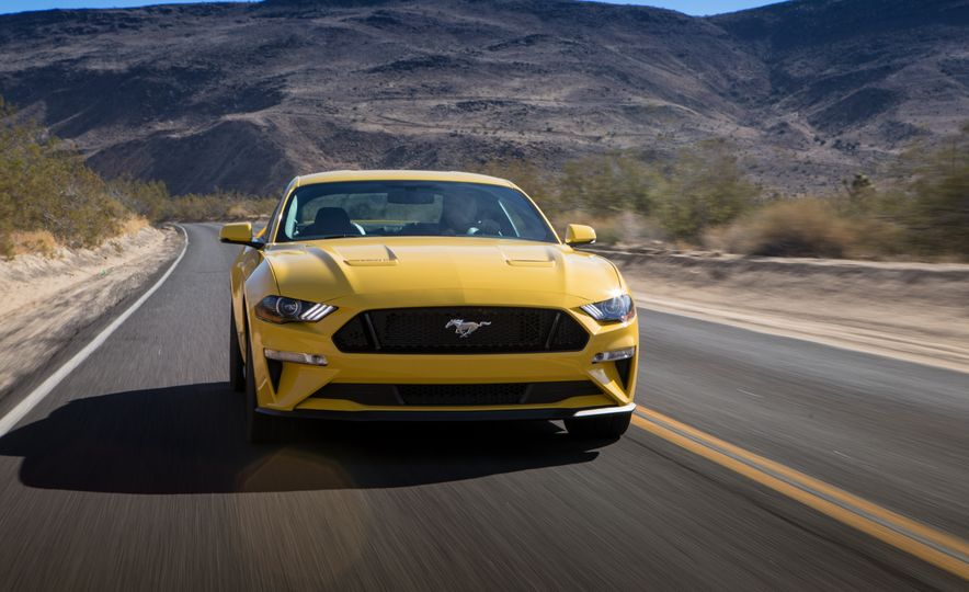 2018 Ford Mustang GT coupe - Slide 7