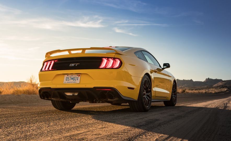 2018 Ford Mustang GT coupe - Slide 9